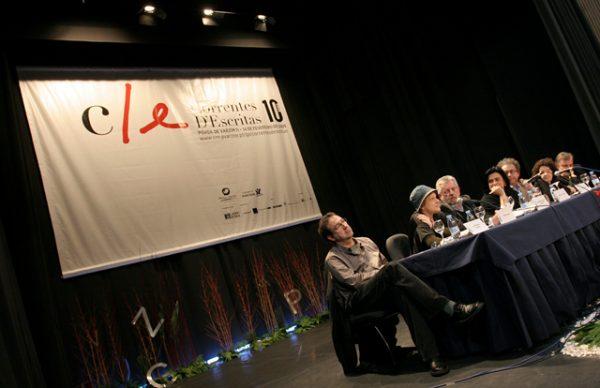 "Última mesa do Correntes: ""A literatura é o último sentido das coisas"""