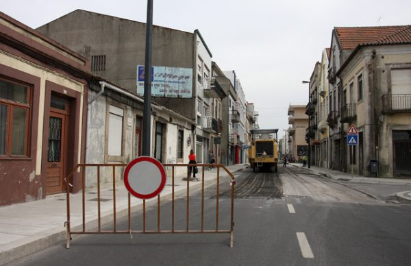 Pavimentação da Rua Almirante Reis – continuam os trabalhos