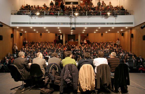 Correntes d'Escritas: quantas ruas percorridas na oitava mesa de debate