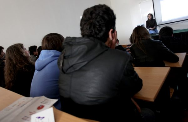 Investemais colabora na formação de jovens estudantes