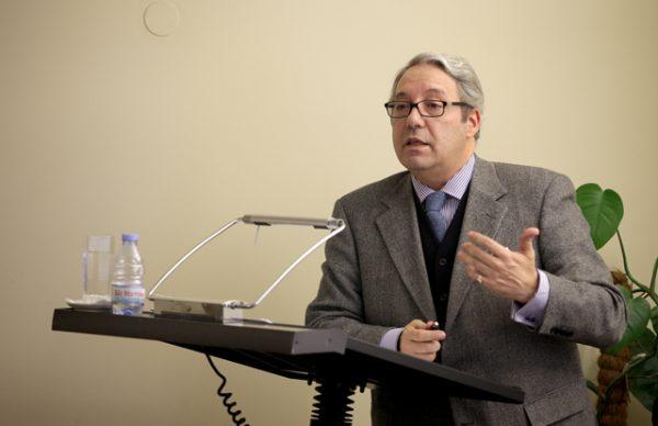 """""""Em torno da polémica sobre a bandeira da República"""" deu mote à conferência de José Augusto Pizarro"""