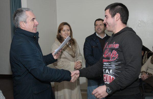 Aires Pereira entregou certificados, em Laundos