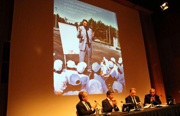 Apresentação de livro de Macedo Vieira em Famalicão com sala lotada