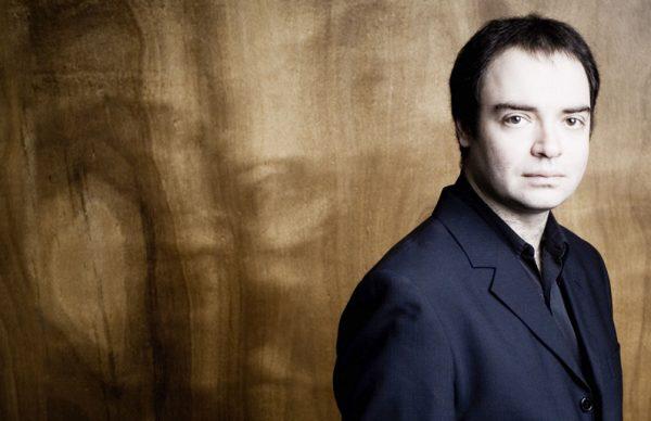 Pianista Alexander Melnikov no penúltimo concerto do FIMPV