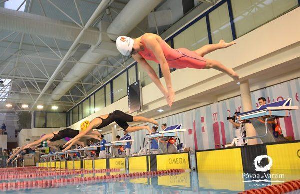 Equipa suíça vence Meeting disputado por mais de 400 nadadores