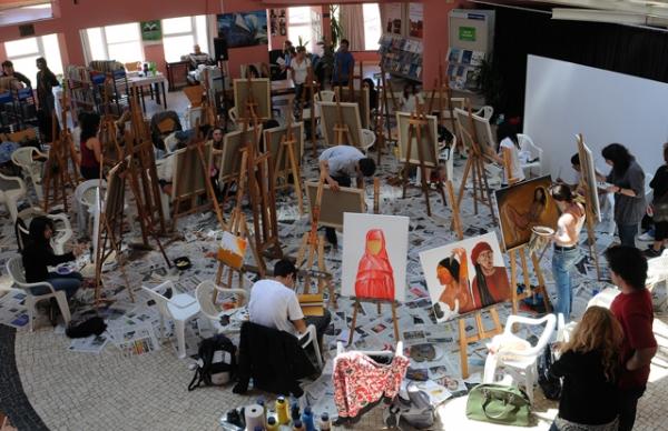 Praça dos Pintores – ponto de encontro para o convívio e para a expressão artística
