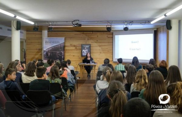 Angélica Santos partilhou experiência profissional com alunos