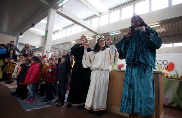 Grande Colégio apregoou o Natal no Mercado