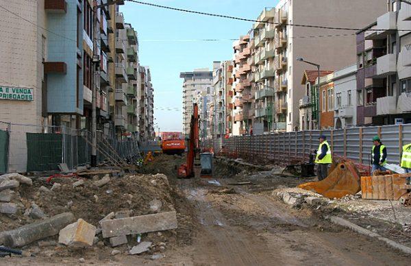 Arranjo urbanístico da Av. Mousinho de Albuquerque: alterações de trânsito