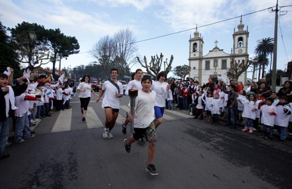 Chama da Paz percorre freguesias no dia 14. Cordão humano abraça a Póvoa de Varzim no dia 15.