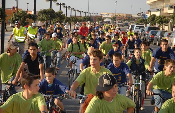 Cicloturismo reuniu mais de duas centenas de participantes