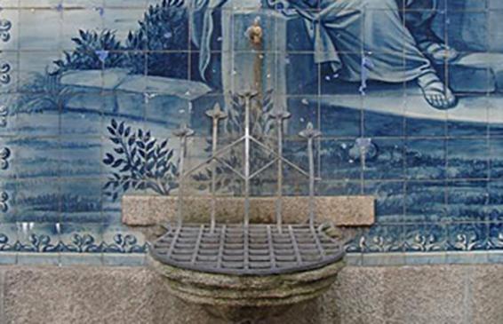 Água distribuída para consumo humano