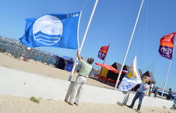Bandeiras Azuis hasteadas em toda a costa poveira