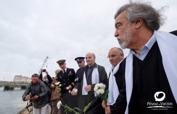 Lançamento de Flores Brancas ao Mar, no Dia Mundial da Paz