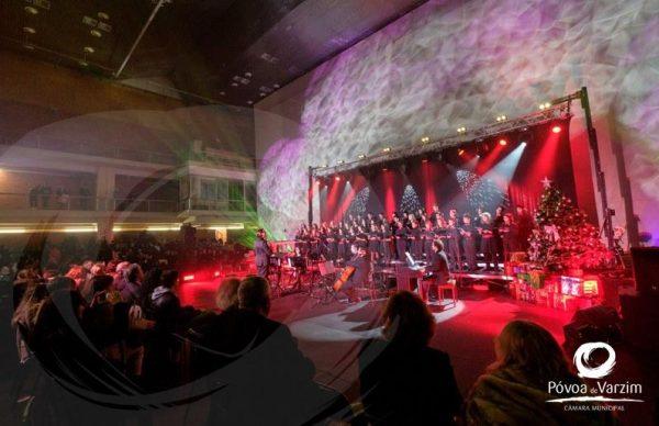Música natalícia reuniu escolas no Pavilhão