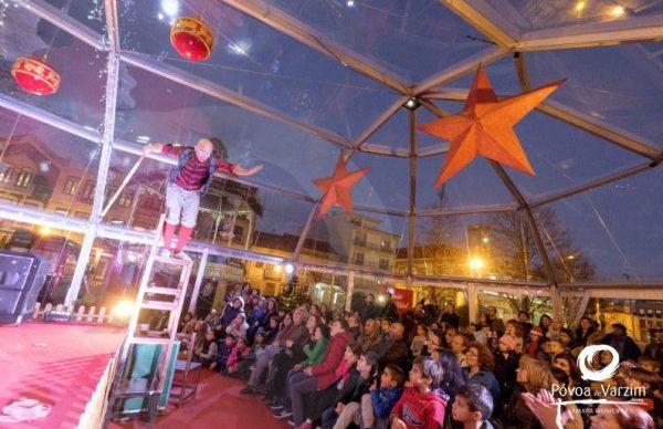 O circo trouxe sorrisos ao Palácio do Pai Natal