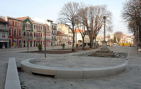 Praça do Almada – um novo espaço no centro da cidade