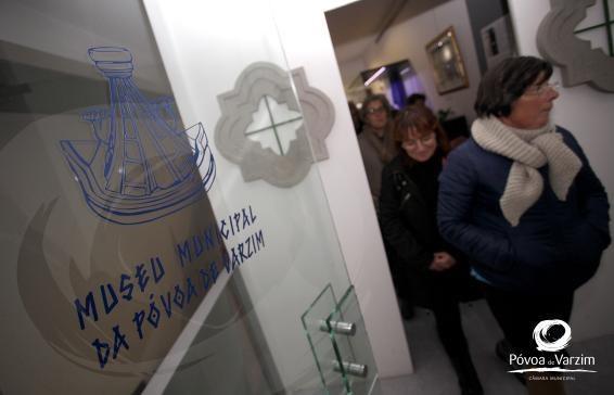 Presépios tradicionais apreciados na visita noturna ao Museu