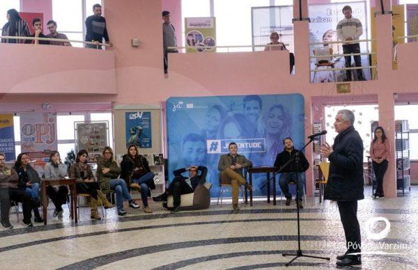 Presidente apela a uma juventude criativa e participativa