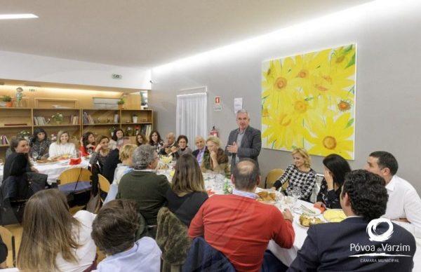 Presidente celebrou o Natal com crianças e jovens do Regaço