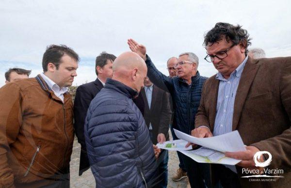 Presidente visita empresas de Aver-o-Mar e afirma que a prioridade na freguesia deve ser a educação