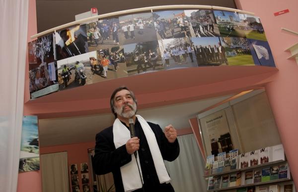 Unidos pela Paz – imagens e testemunhos de 10 anos de Encontro em livro