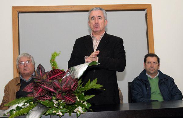 Aires Pereira entrega diplomas de certificação