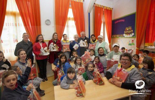 Um gesto doce no Natal das crianças das instituições poveiras