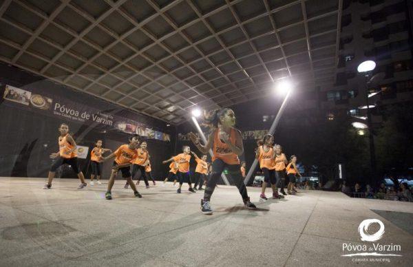 Espetáculo de Dança, pelo G.R.E. Bonfim