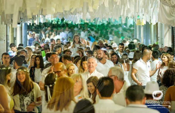 Póvoa de Varzim vestiu-se de branco