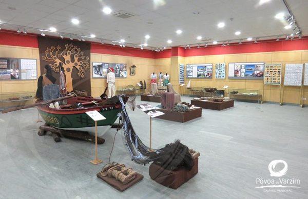 """""""Marcas de Pescadores Póvoa de Varzim / A Guarda"""" em exposição no Museu do Mar da Galiza"""