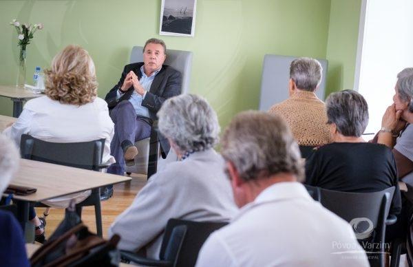 Macedo Vieira conversou com utentes do COL