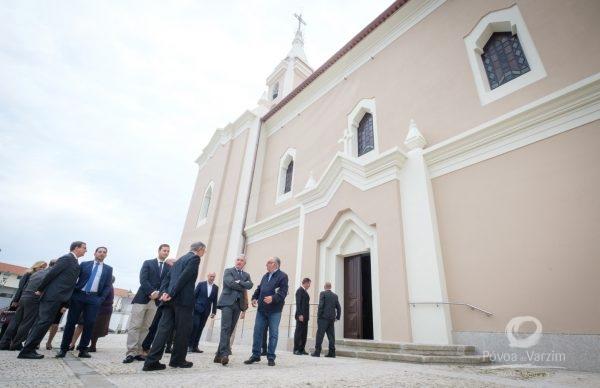 Igreja de Aguçadoura com nova imagem