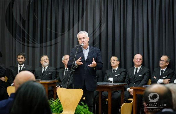 Em dia de lançamento de livro Presidente da Câmara anuncia Medalha de Reconhecimento Poveiro-Grau Ouro- para a Capela Marta