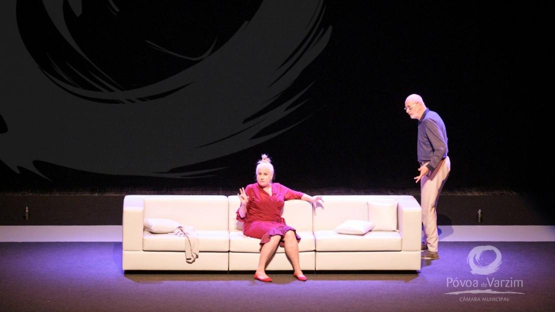 """""""Intimidade Indecente"""" animou a plateia do Cine-Teatro Garrett 12"""