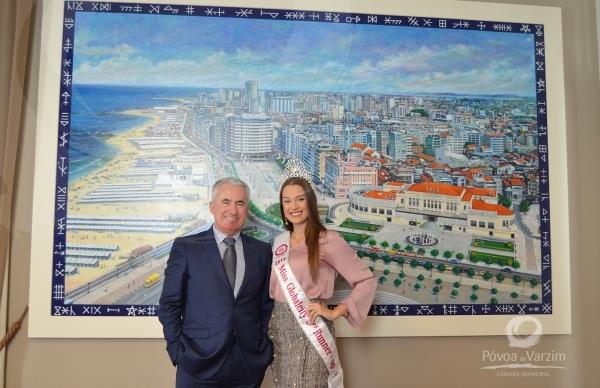 Recém-coroada Telma Madeira visitou os Paços do Concelho