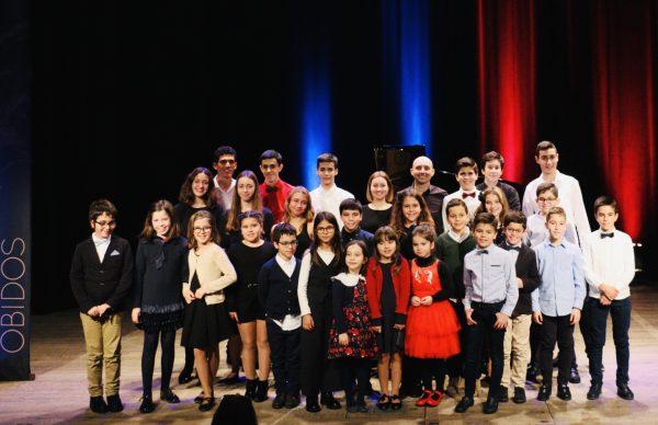 Alunos da Escola de Música participam em concerto solidário, em Óbidos