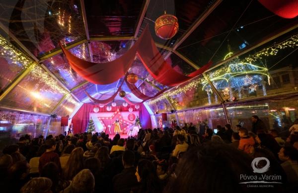 Espetáculos musicais iluminam Palácio do Natal