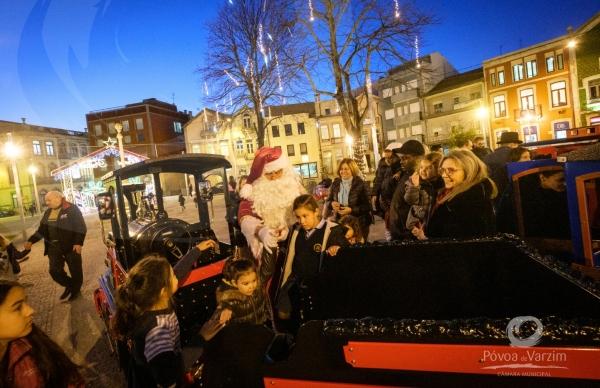 Palácio do Pai Natal: comboio e ateliers para crianças