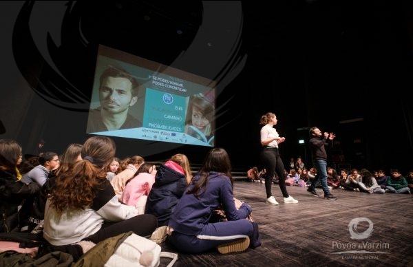Tiago Castro e Marine Antunes conversam sobre bullying com jovens poveiros