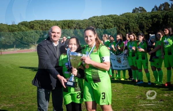Leões da Lapa FC ergue Supertaça de futebol feminino