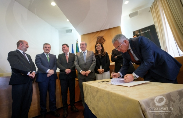 Assinatura protocolo para estudos de alargamento da rede de metro do Porto