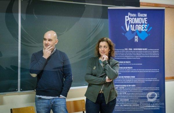 """Sessão de Capacitação """"A Prática de Mindfulness em contexto Profissional e Pessoal"""" na E.B. Flávio Gonçalves"""
