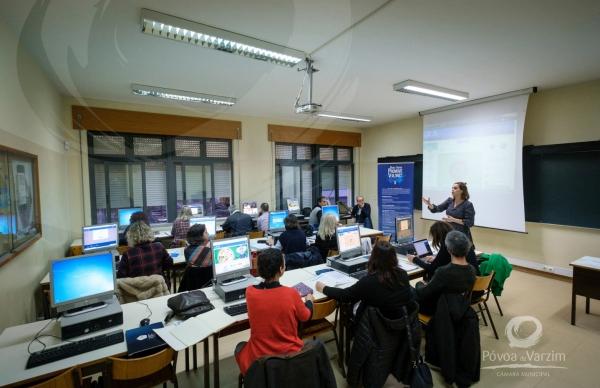 Professores aprendem novas metodologias para motivar alunos