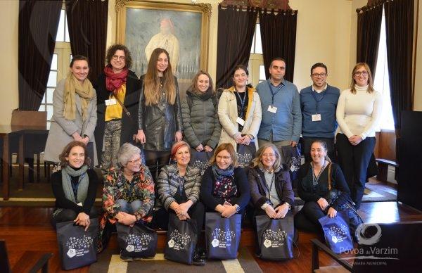 Professores de crianças com necessidades especiais de países europeus visitam Paços do Concelho