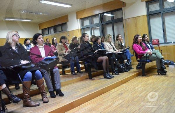 Sociedade e Escola Inter/Multiculturais: Construindo Diálogos entre Diferentes