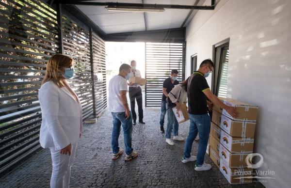 Proprietários da Casa China ofereceram material de proteção ao Município