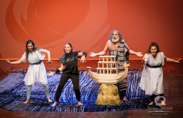 Varazim Teatro completou 23 anos de existência e apresentou Bichos no Garrett