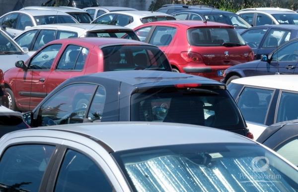 Parques de estacionamento da Rua do Varzim Sport Club e Avenida dos Pescadores deixam de ser tarifados
