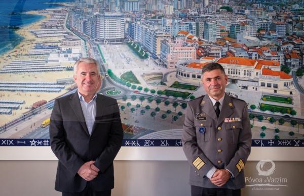 Presidente da Câmara recebe novo Comandante da Escola dos Serviços